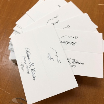 classic-wedding-guest-name-cards